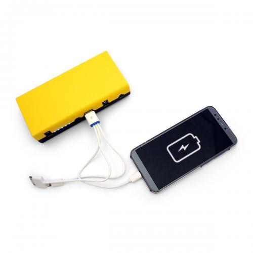 Smartphone in carica con i-Starter 2.6